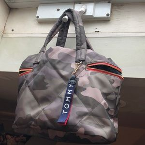 Tommy Hifiger Purse